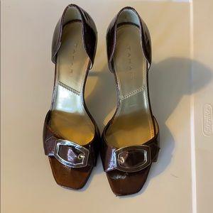 Tahari brown patent leather heels